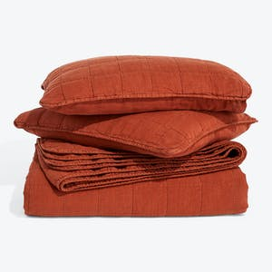 Product Image - Simple Linen Quilt + Shams Rust