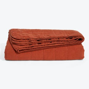Product Image - Simple Linen Quilt Rust