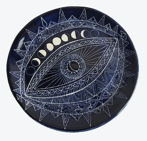 Product Image - Round Sgraffito Spirit Eye Plate Blue